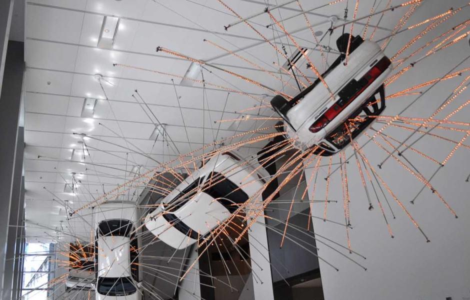 Museu de Arte de Seattle: Inopportune: Stage One (2004) de Cai Guo-Qiang
