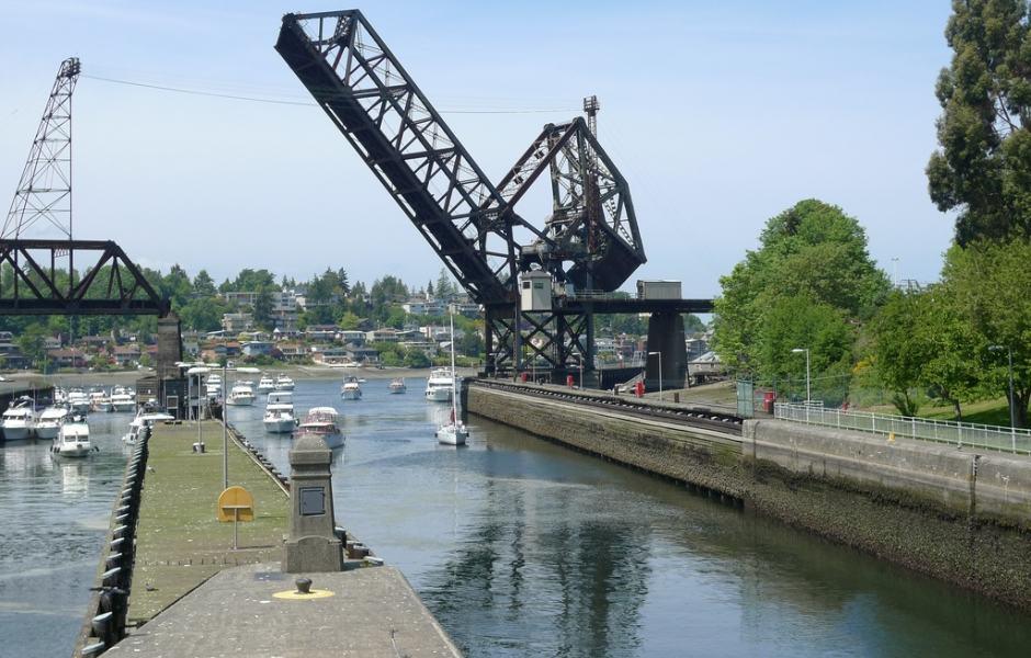 Ballard Locks (Hiram M. Chittenden Locks) e Salmon Bay Bridge
