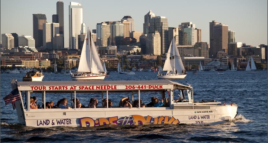 Ride the ducks of Seattle no Union Lake