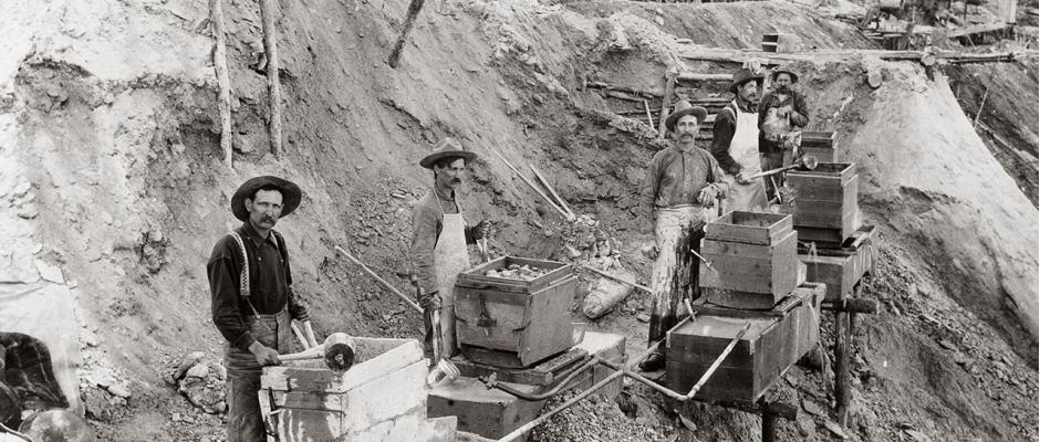 Corrida do Ouro de Klondike: garimpeiros numa mina de ouro