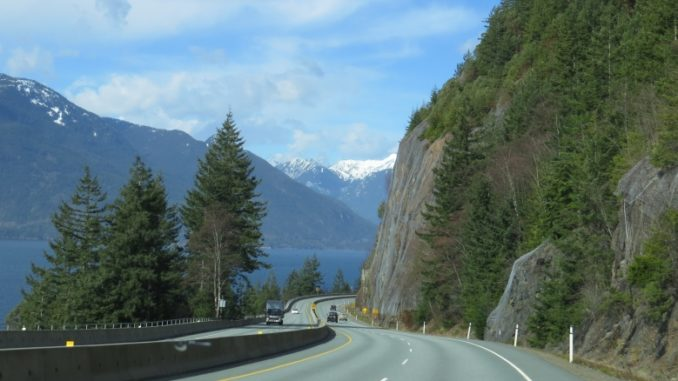 BC-99 no trecho Vancouver - Whistler: Sea to Sky Highway