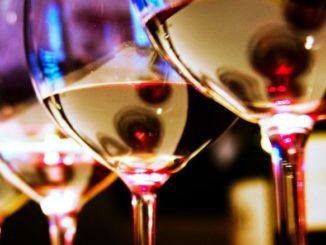"Vinho Liebfraumilch: a ""mancha negra"" da garrafa azul"