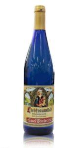 Vinho Liebfraumilch da garrafa azul