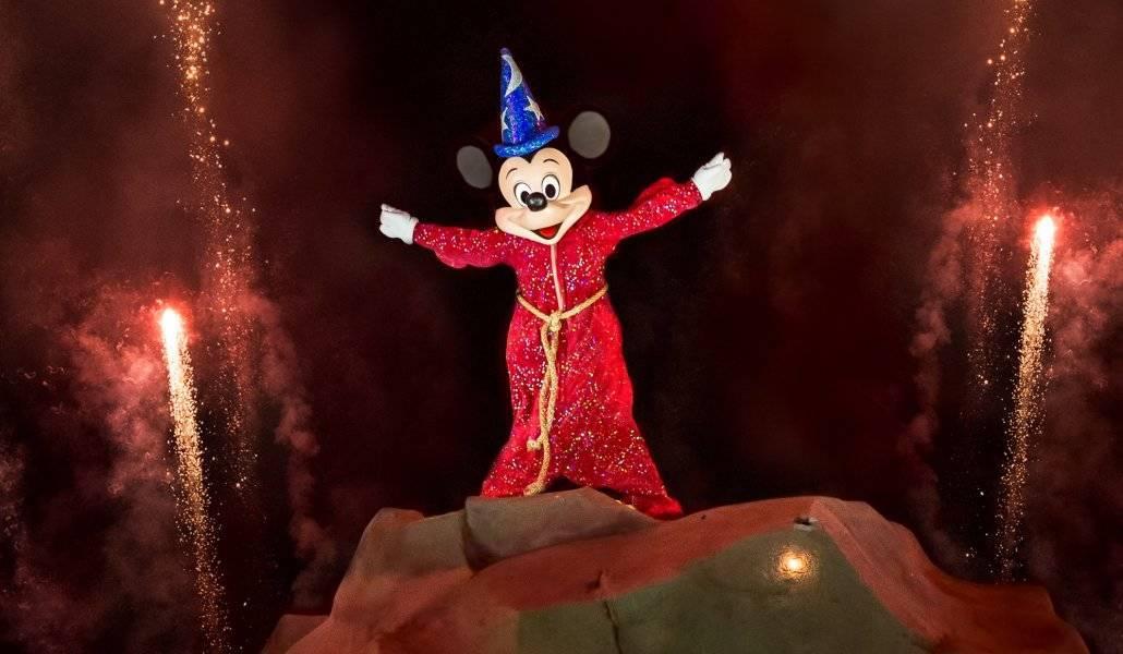 Viagem a Disney: Mickey de feiticeiro no show noturno Fantasmic do Hollywood Studios