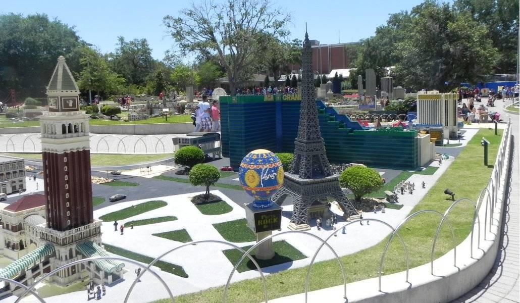 Torre Eiffel em Paris: exposição de lego na Miniland USA, Legoland - Orlando