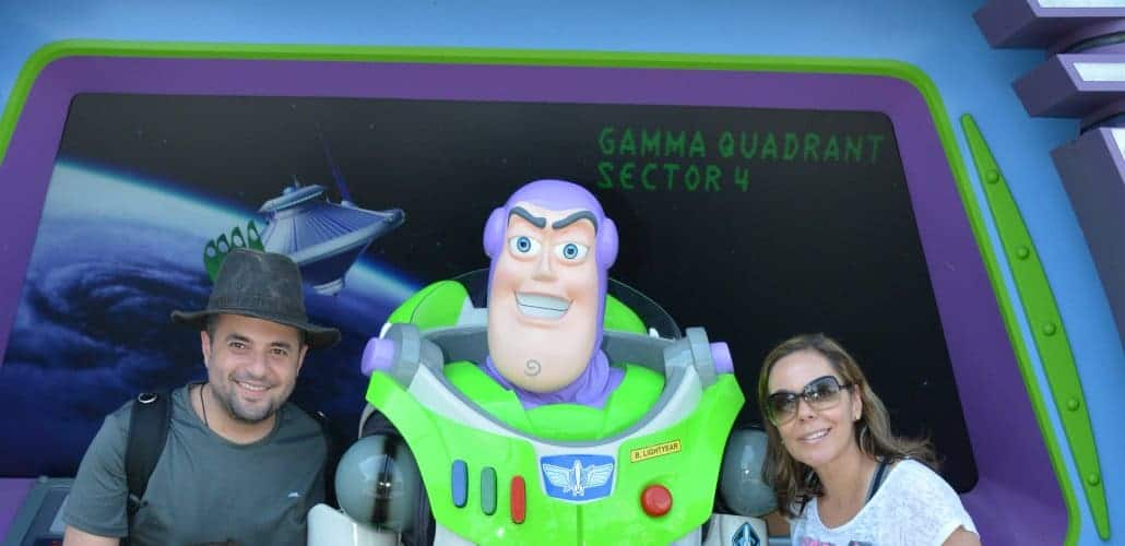 Viagem a Disney também tem Buzz Lightyear