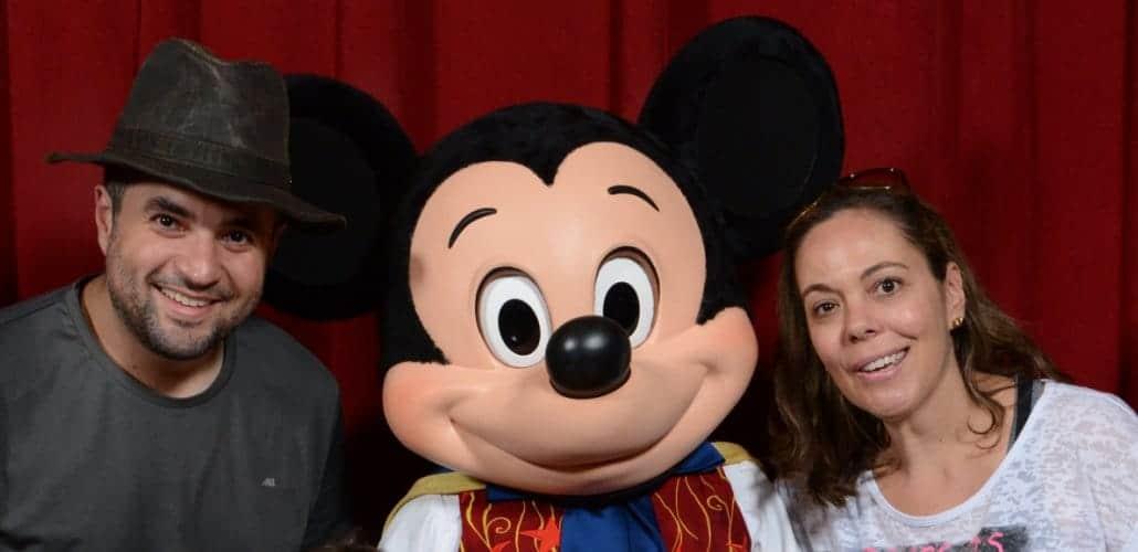 Viagem a Disney tem que ter a foto com o Mickey do Town Square Theater no Magic Kingdom