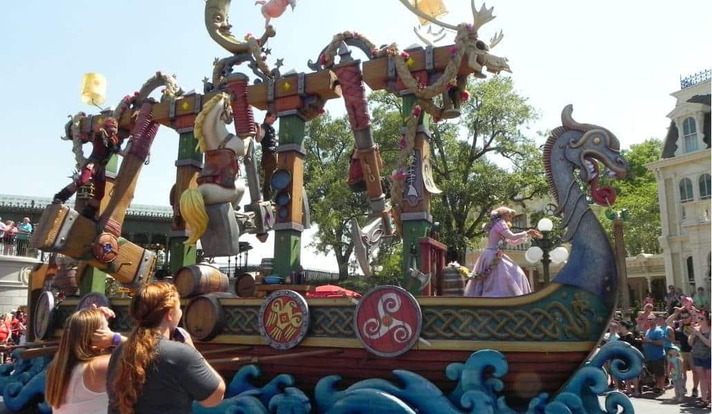Parada (desfile) da tarde no Magic Kingdom