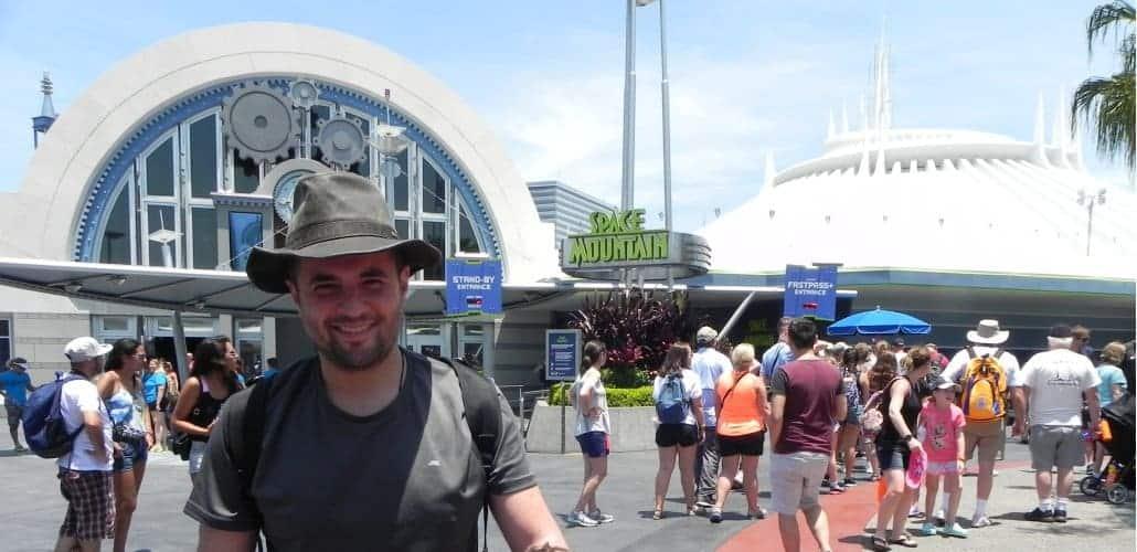 Space Mountain na região Tomorrowland do Magic Kingdom