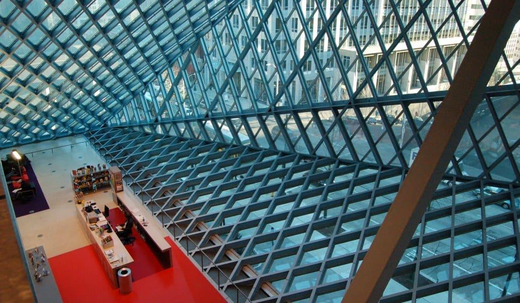 Seattle Public Library: estrutura de vidro e aço (Fonte: Majordojo.com)