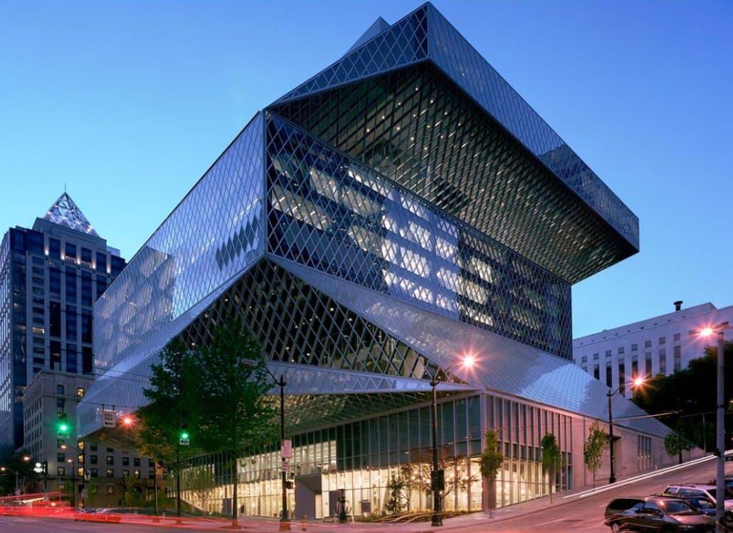 Fachada principal na 4th Ave da biblioteca central da Seattle Public Library (Fonte: Seattle Public Library)