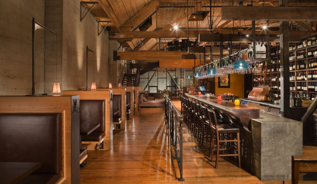 "Osteria La Spiga em Seattle (Fonte: <a href=""http://grahambabaarchitects.com/osteria-la-spiga/"" target=""_blank"">Graham Baba Architects</a>)"